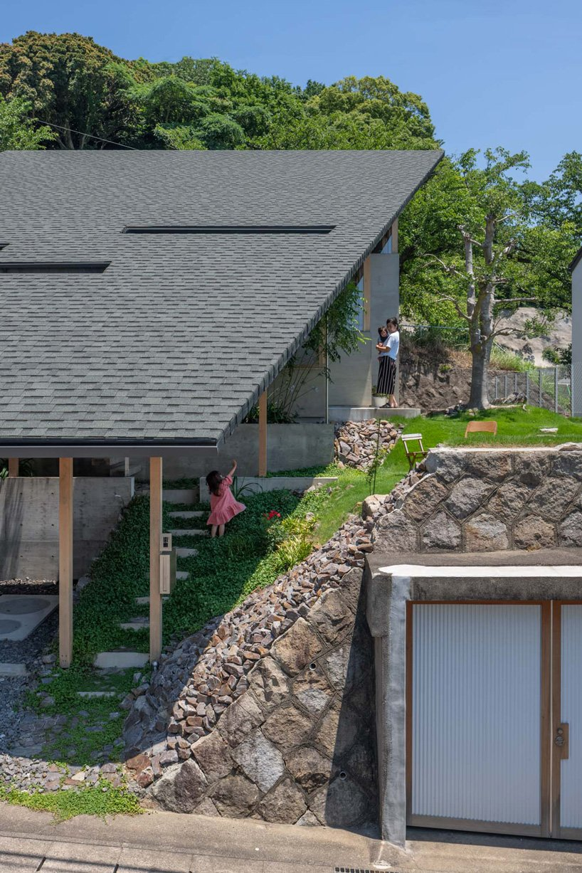 a series of different levels make takayuki suzuki architecture atelier's house in gamagori